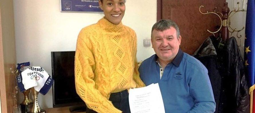 Nneka Onyejekwe trasfer la Dinamo