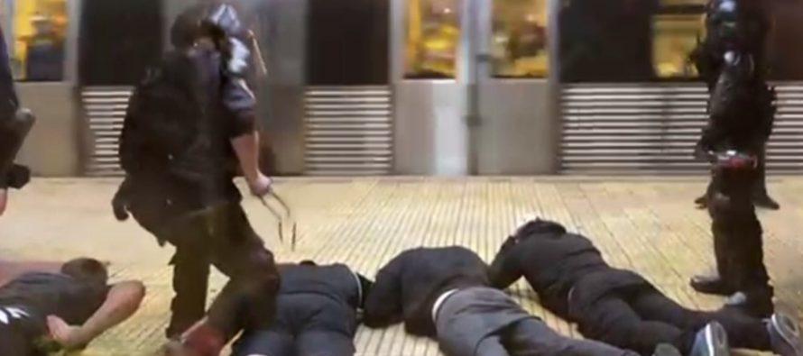 Bătaie între suporterii Stelei și jandarmi, la metrou
