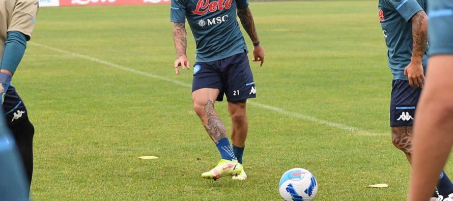 Fotbaliștii de la Napoli vor purta tricouri Armani
